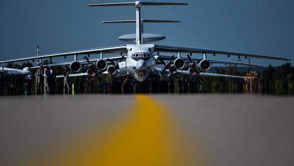 L`aereo russo Ilyushin 76 aircraft all`apertura di MAKS 2015 - Sputnik Italia
