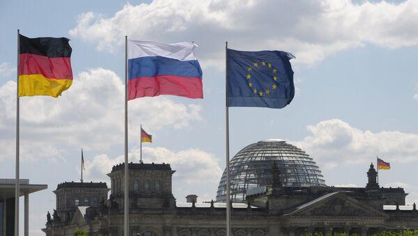 Bandiere della Germania e Russia - Sputnik Italia