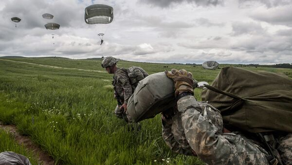 Paracadutisti della Nato - Sputnik Italia