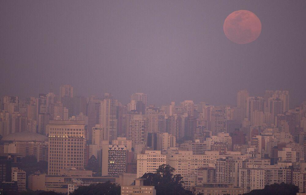 Superluna in Brasile