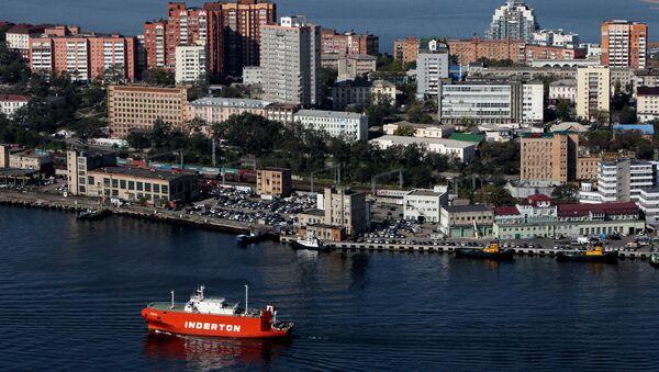Вид Владивостока и бухты Золотой Рог с пилона вантового моста - Sputnik Italia
