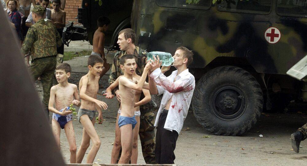 Ostaggi sopravvissuti all attentato di Beslan