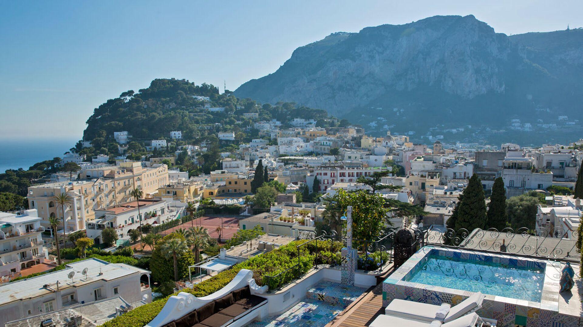 La vista dall'albergo Capri Tiberio Palace a Capri, Italia. - Sputnik Italia, 1920, 22.07.2021