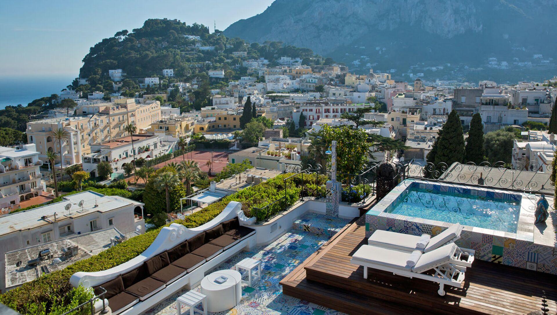 La vista dall'albergo Capri Tiberio Palace a Capri, Italia. - Sputnik Italia, 1920, 08.05.2021