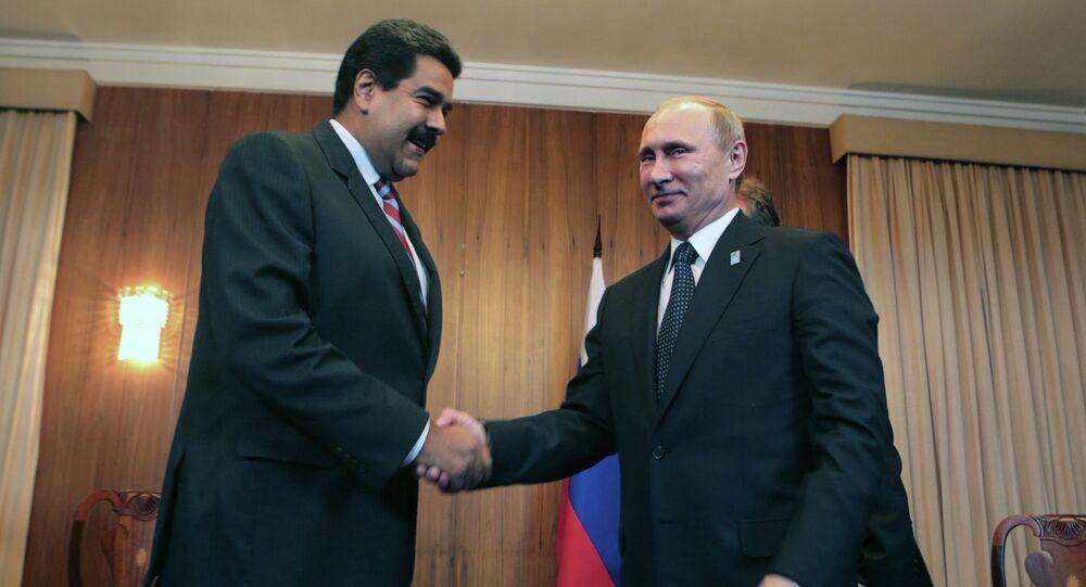Nicolas Maduro e Vladimir Putin (foto d'archivio)