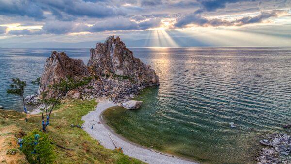 La veduta sul lago Bajkal. - Sputnik Italia