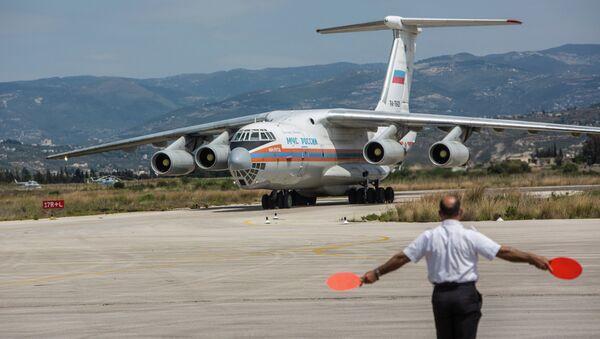 Aereo russo con aiuti umanitari in Siria - Sputnik Italia