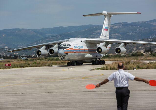 Aereo russo con aiuti umanitari in Siria
