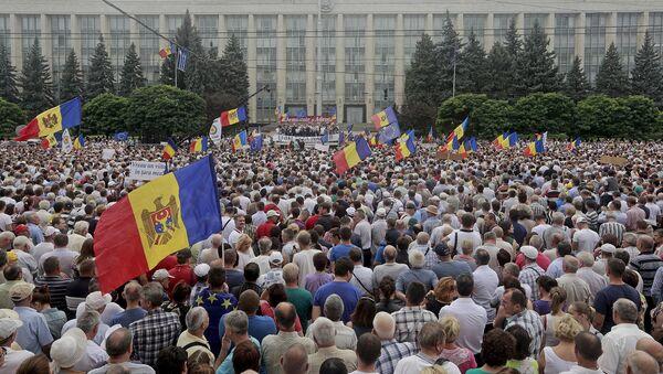 Dimostranti antigovernativi a Chisinau, Moldavia - Sputnik Italia