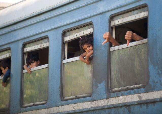 Treno di profughi in Serbia (foto d'archivio)