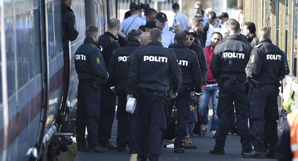 Polizia danese controlla i treni con i migranti provenienti dalla Germania