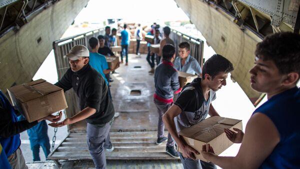 Gli aerei russi portano in Siria gli aiuti umanitari - Sputnik Italia