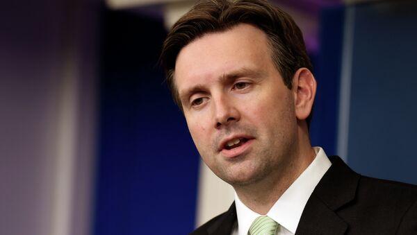 Josh Earnest, portavoce della Casa Bianca - Sputnik Italia