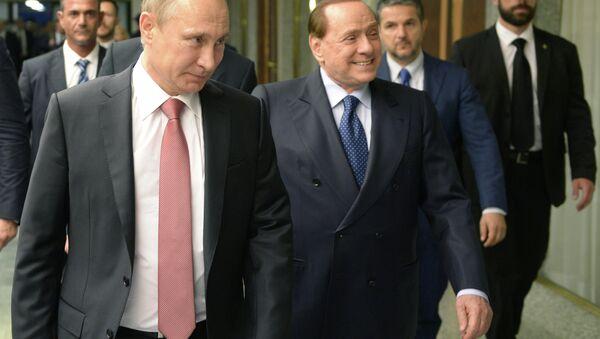 Vladimir Putin e Silvio Berlusconi - Sputnik Italia