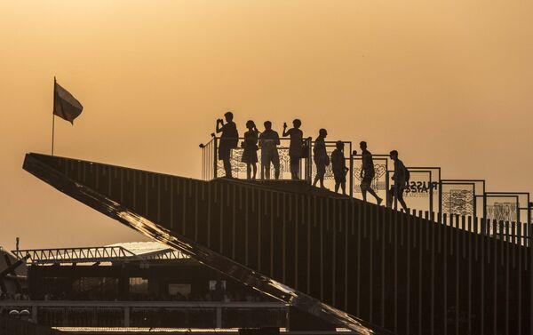 Visitatori sulla terrazza del Padiglione Russia a Expo Milano. - Sputnik Italia