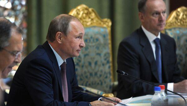 Президент России Владимир Путин на саммите ОДКБ в Душанбе - Sputnik Italia