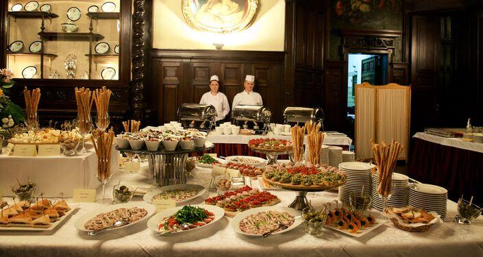 Il rinfresco a base di prodotti tipici italiani offerto in occasione del seminario Dopo EXPO-2015, nuove forme di collaborazione tra Italia e Russia nel settore agroalimentare