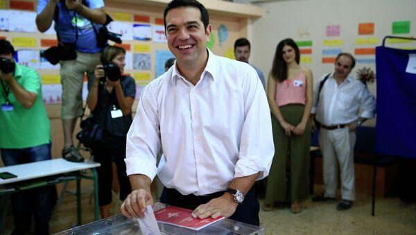 Ex premier Alexis Tsipras al seggio elettorale - Sputnik Italia