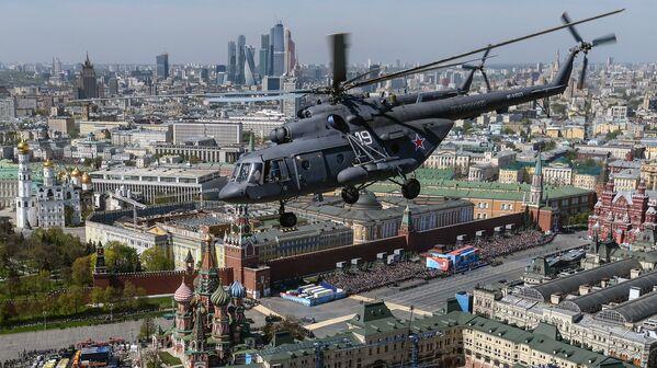 Il Mi-8 è un elicottero multiruolo da trasporto e d'attacco biturbina. - Sputnik Italia