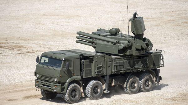 Il missile antiaereo semovente Pantsir-S nel quadro delle preparazioni al forum tecnico-militare internazionale Armija-2015. - Sputnik Italia