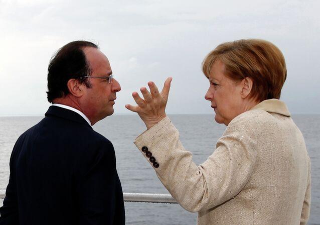 Francois Hollande ed Angela Merkel