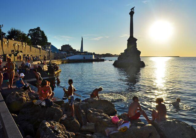 Monumento alle navi affondate nella baia di Sebastopoli