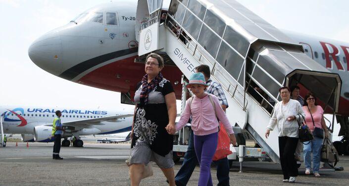 Passeggeri all'aeroporto di Simferopoli