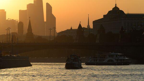 Теплая погода в Москве  - Sputnik Italia