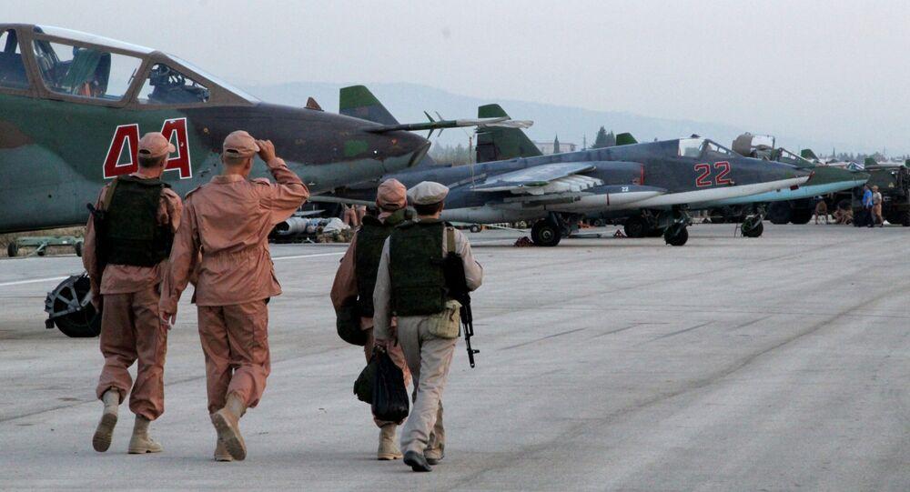 Base aerea di Hmeimim in Siria con i caccia russi