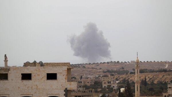 Una base distrutta dei combattenti ISIS nella provincia di Idlib, Siria. - Sputnik Italia
