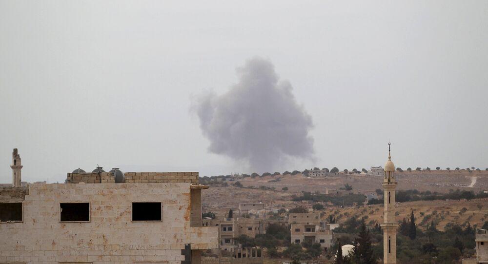 Una base distrutta dei combattenti ISIS nella provincia di Idlib, Siria.