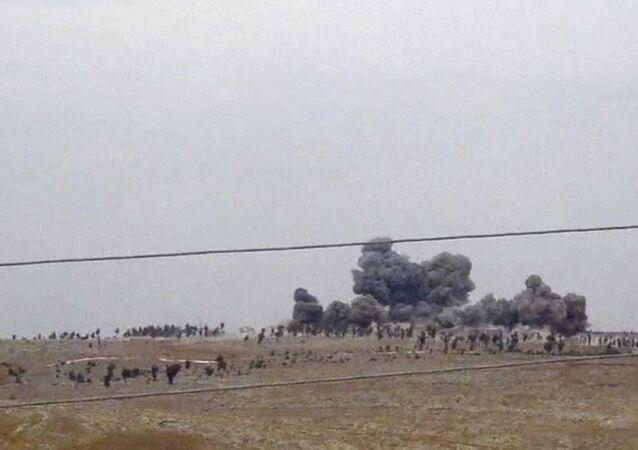 Base di ISIS distrutta dai raid russi in Siria