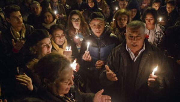 Тунисцы вспоминают жертв теракта в музее Бардо - Sputnik Italia