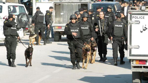 Polizia di Tunisi il giorno dell'attacco al museo - Sputnik Italia