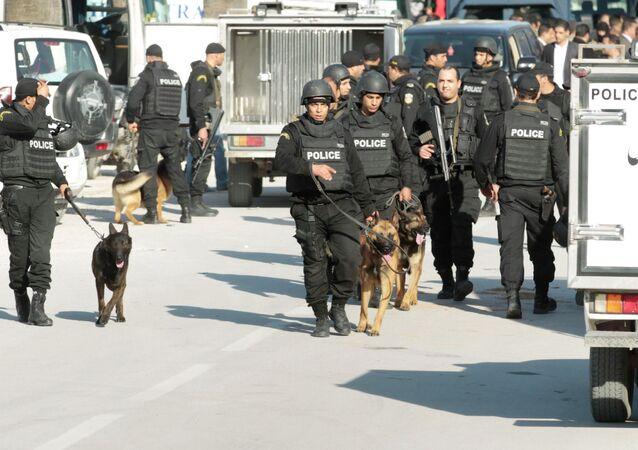 Polizia di Tunisi il giorno dell'attacco al museo