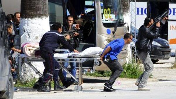 Эвакуация туристов вследствие нападения на музей в Тунисе - Sputnik Italia