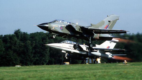 Decollo di un Tornado GR.1 della RAF e del prototipo F.2. - Sputnik Italia