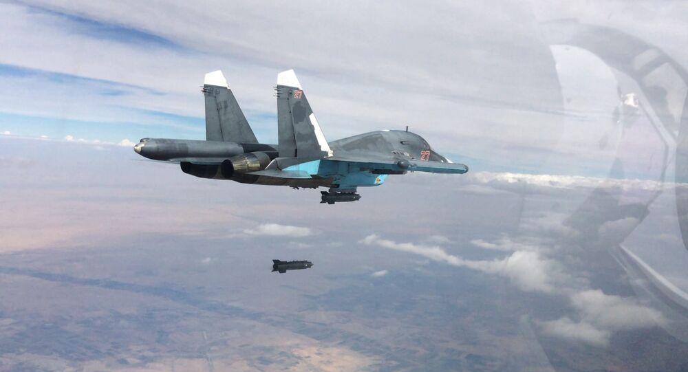 Caccia russi SU-34 in volo
