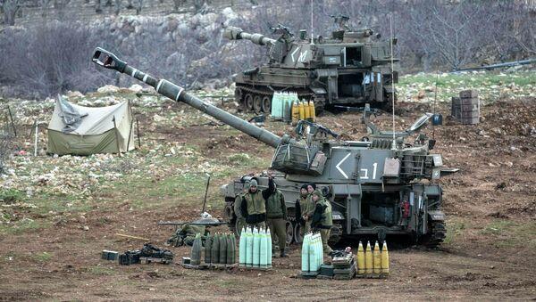 Soldati israeliani sulle Alture del Golan - Sputnik Italia