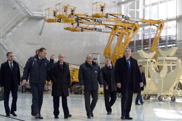 Vladimir Putin visita il cosmodromo Vostochniy - Sputnik Italia