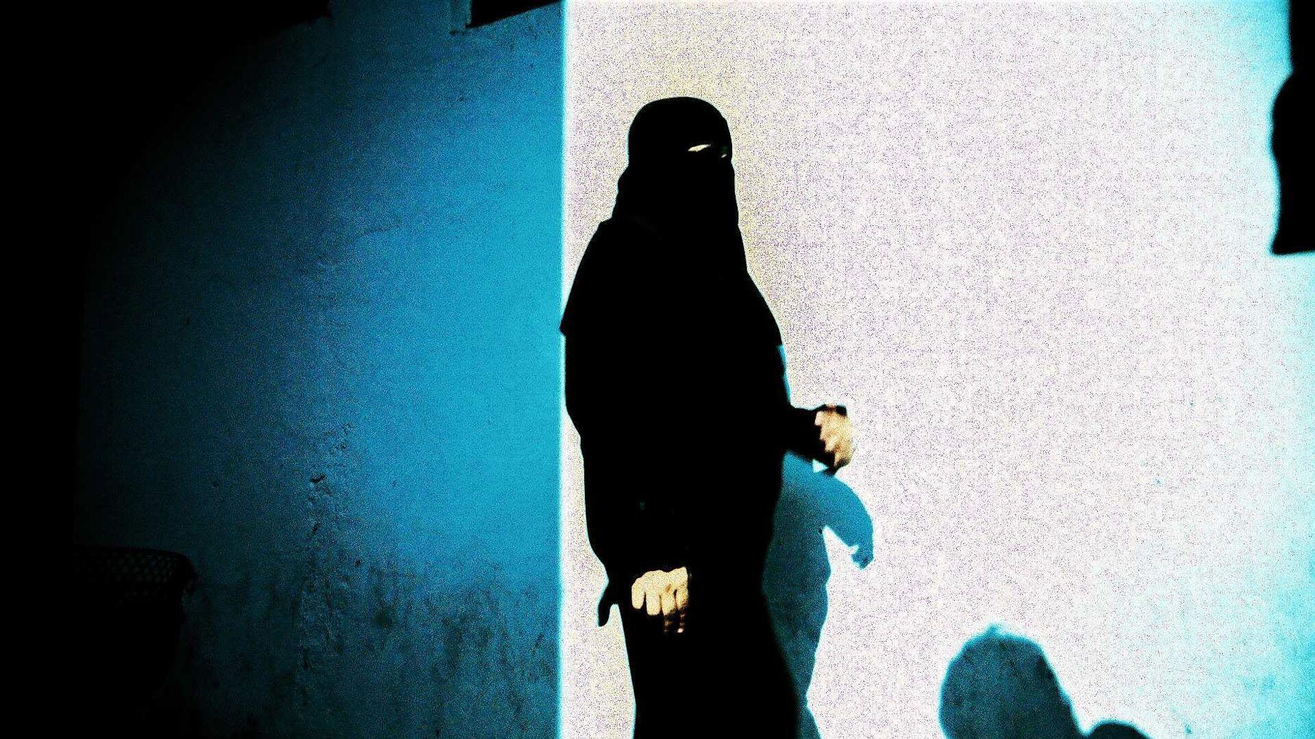 Una donna musulmana - Sputnik Italia, 1920, 21.05.2021