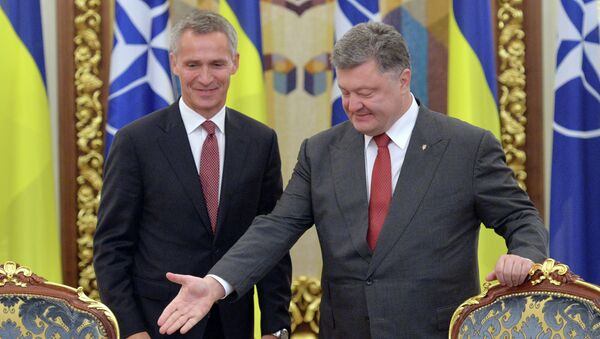 Ucraina e NATO, incontro tra Stoltenberg e Poroshenko - Sputnik Italia