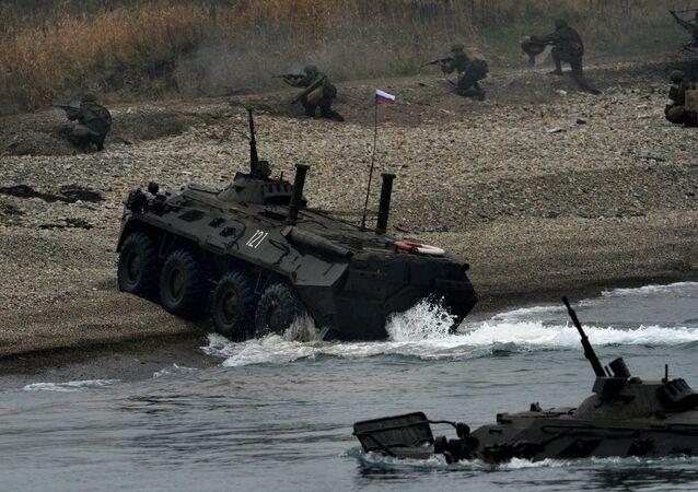 Esercitazioni delle truppe aviotrasportate della Flotta del Pacifico.
