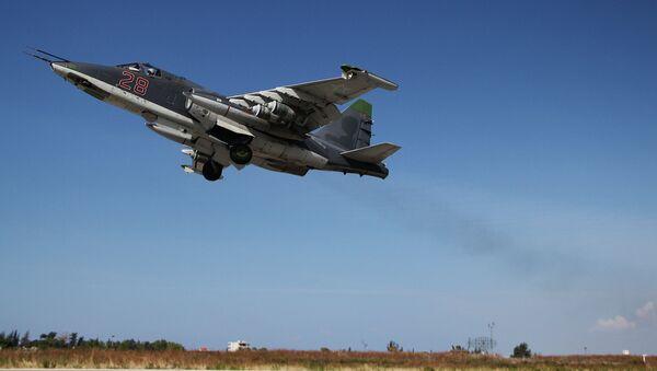 Caza rusa Su-25 en Siria - Sputnik Italia