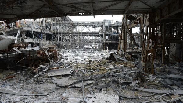 Aeroporto di Donetsk distrutto dai combattimenti - Sputnik Italia