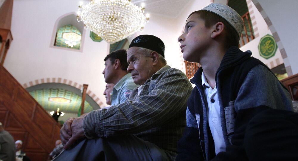 In moschea a Simferopoli, la citta` principale di penisola di Crimea