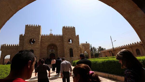Cristiani iracheni si recano nella chiesa di San Giuseppe ad Arbil, capitale del Kurdistan - Sputnik Italia