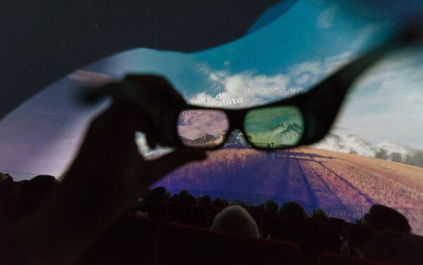 Il cinema interno al padiglione kazako - Sputnik Italia