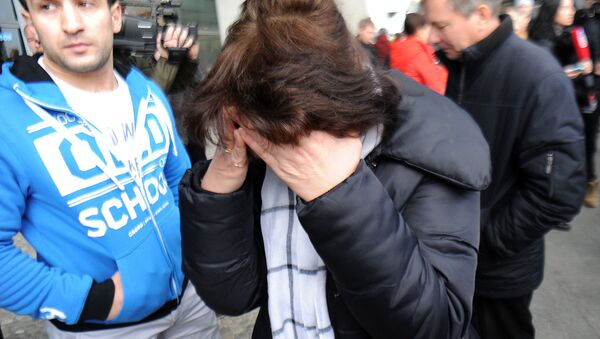 A San Pietroburgo disperazione dei parenti delle vittime della sciagura dell'Airbus in Egitto - Sputnik Italia