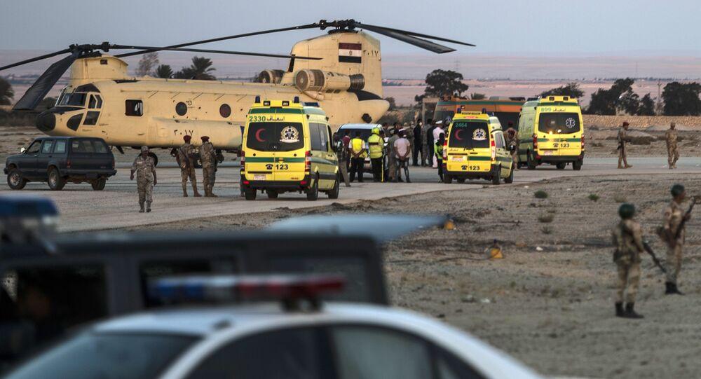 Ambulanze nel luogo del disastro dell'Airbus russo